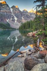 Canadian sunrise (Fil.ippo) Tags: travel lake canada sunrise lago nikon alba alberta banff acqua viaggi hdr filippo moraine waterscape d5000 filippobianchi