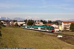 Besanino e montagne (Elmeon) Tags: train tn milano railway zug 005 bahn stazione lecco gtw 125 ferrovia 412 atr passeggeri stadler rfi costamasnaga autotreno trenord