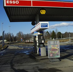 A book at a gas-station. (zimort) Tags: auto car norway book norge bookcrossing release norwegen gas norwegian pump bil bok bookcrossingcom releases gastation bensinstasjon slipp bensinpumpe bookcossing skarnes bcslipp bookcrossng bookcrossnig