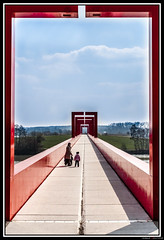 Red Gate (Maestr!0_0!) Tags: bridge red rouge gate axe pont paysage cergy majeur