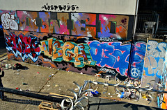 DSC_0210 (Di's Free Range Fotos) Tags: new uk england graffiti photo brighton photographer quarter vega lostboys drax photoopportunity owed obay