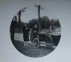 vintage (desfemmesetdesvoitures@yahoo.fr) Tags: auto old bw woman cars car lady vintage photo mujer women automobile noir photos femme 1940 machine voiture nb retro coche 1970 frau dame 1980 et fille blanc 1950 coches filles 1920 coup femmes dona voitures argentique 1930 ancienne roadster 1960 cabriolet dames anciennes wagen machina rtro regazza brautjungfern desfemmesetdesvoitures httpwwwflickrcomphotos93327552n06details1