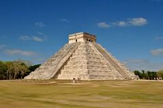 Chichen Itza - The pyramid (Sangeetha Shanmugam) Tags: mexico pyramid yucatan chichenitza elcastillo