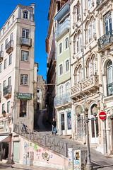 Coimbra-028 (Viaggiatore Fantasma Summer Tour 2016 - CH-LI-AT) Tags: life street city urban portugal corner canon strada strasse stadt urbana 5d coimbra ecke vita citt portogallo angolo