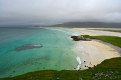Crystal clear water and white sandy beach (supersky77) Tags: harris isleofharris hebrides outerhebrides ocean oceano atlanticocean oceanoatlantico blue scotland scozia lyskentyre