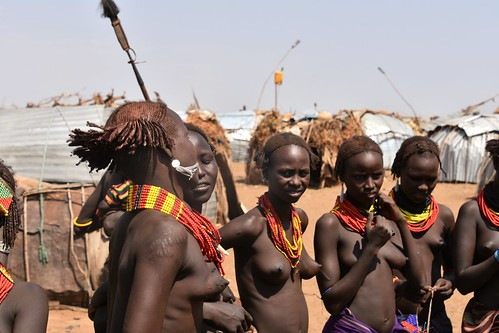 Daasanach women dancing and singing (16)