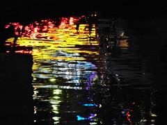 burning river - Reflexion im Main, Michaelismesse in Miltenberg 2016 (zikade) Tags: reflexionen licht farbigeslicht farben gelb orange feuer main miltenberg odenwald kirmes blau trkis grn wasser spiegelung volksfest michaelismesse 2016