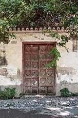 Puerta serrada (Mr. Lunastorta) Tags: fujifilm xt10 spain andalusia granada alhambra door architecture