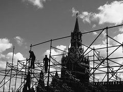 Men at work. Red Square, Moscow. (Sakis_) Tags: architecturephotography architecture buildings people streetphotography street blackandwhite blackandwhitephotography monochrome cityscape bw moscow canon clouds construction chiaroscuro russia