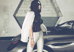 This is my moment... (Nhera Larnia) Tags: kunst rowne ison uber secondlife fashion car nheralarnia