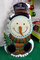 Days 'til Christmas (cowyeow) Tags: christmas design xiamen advent calendar metal snowman asia asian art factory curio weird stupid china chinese funnychina craft creative trippy