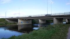 Tuusulanvyl @ Vantaanjoki (neppanen) Tags: sampen discounterintelligence helsinki helsinginkilometritehdas suomi finland silta bridge vantaanjoki joki river piv66 reitti66 pivno66 reittino66