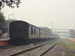 Backside Shot-DEE BDTS GR (Jai BGKT) Tags: from its make that was shot delhi railway western ready maharashtra backside departure no1 wr rath pf bandra sarai cantt garib rohilla