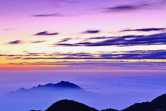 Purple sunset (Singer ) Tags: sunset sky mist fog clouds canon purple taiwan singer  taipei      seaofclouds                 canon550d  singer186