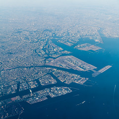 Tokyo Bay - Aerial perspective (Hendrik Schicke) Tags: travel blue sky nature japan clouds plane canon airplane landscape photography flying amazing colorful earth air awesome horizon 5d rare canonef2470mmf28lusm birdseyeview birdseye beautyful birdsview aerialperspective highangleshot birdseyeperspective canon5dmarkii hightangle hendrikschicke