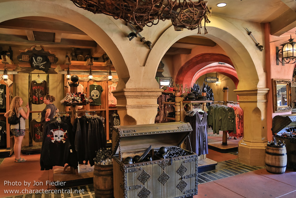 The Pirates Bazaar At Disney Character Central