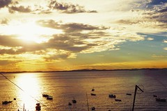 Come out upon my seas... (carolaine.cerqueira) Tags: sunset sea sky colors yellow clouds mar cu pordodol