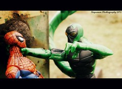 Spidey vs Ultimate Scorpion 4 (THE AMAZING KIKEMAN) Tags: man america comics scott toy photography james spider iron action steve cyclops tony lizard scorpion peter xmen captain figure legends carnage rogers curt logan biz marvel stark universe parker crossbones wolverine connors hasbro summers howlett