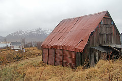 Nordrygge - Vesterlen (Norway) (Meteorry) Tags: norway barn norge europe shed rusty february grange scandinavian deadend vesterlen b nordland rouill lven meteorry 2013 rygge langya nordlandfylke norwge riksveg820 nordrygge