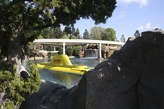 Finding Nemo Disneyland (davebloggs007) Tags: california mono finding nemo disneyland rail submarine