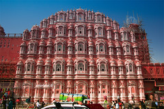 Hawa Mahal (¡arturii!) Tags: street wood trip travel pink blue windows red sky people orange india white building beauty car architecture wow amazing nice construction holidays colorful asia tour superb painted indian awesome great salmon route restaurar restore stunning scaffold colored vacations jaipur impressive façade hawamahal gettyimages andamios palaceofthewinds interetsing vestidas mywinners palaciodelosvientos canonoes400d arturii vaitge arturdebattk palaudelsvents