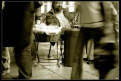 BARQUILLERO (manooolo7) Tags: plaza salamanca barquillero duotono