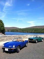 1972 Triumph TR6 and 1976 Spitfire Edit (Taylor Player) Tags: new blue cambridge england green car pub automobile antique connecticut painted ct convertible pony british ponies tahiti granby brew emerald 1500 leyland roadster lbc barkhamsted barkhamstead