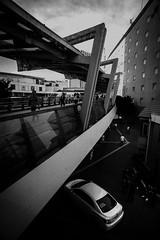 2016138 (gwagwa) Tags: black white bw monochrome japan car wide nikkor 20mm f28s street
