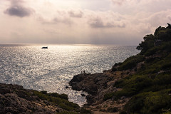 Punta Falconera (ancoay) Tags: 7dwf mar sea sky sunset boat canon600d ancoay