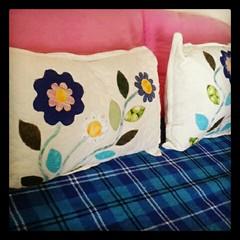 Mini travesseiros pra deixar qualquer canto da sua casa mais bonito! (Joana Joaninha) Tags: casa joanajoaninha flickrandroidapp:filter=none patchworkamor