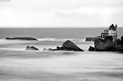 Biarritz | B&W (1) [EXPLORED] (David Crespo Nieto) Tags: sea white black france blanco landscape mar nikon europa europe negro paisaje francia bayonne bayona 7000 d7000