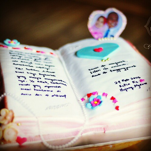 #love #diary #cake for #7th #year #wedding #anniversary #celebration by #totbakedesign ww.totcupcakes.com #loveisintheair #husbandwife #eternal #happy #moments #cute #pinkblue