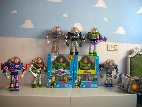 Buzz lightyear army