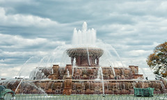 Buckingham Fountain - Grant Park, Chicago (Richard Pilon) Tags: chicago nikon grantpark buckinghamfountain