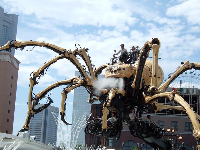 巨大クモ「ラ・プランセス」の口からは、ミストが噴出されるギ。|