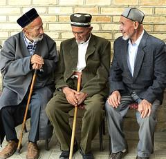 UZBEKISTAN (BoazImages) Tags: men hat clothing asia traditional hats meeting silkroad tajik tradition uzbekistan centralasia uzbek boazimages