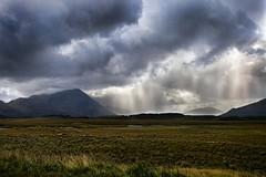 (Sotto Scatto) Tags: ireland sky panorama irish galway nature clouds lights nuvole cogalway overcast natura connemara cielo rays celtic luce irlandese irlanda raggi numbs celtico worldtrekker