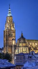 Torre de la Catedral de Toledo (dleiva) Tags: espaa spain cathedral capital catedral ciudad toledo alcazar crepusculo domingo hdr tejados ayuntamiento leiva dleiva