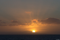Australie - Kangaroo Island - Couch de soleil (jf garbez) Tags: ocean voyage travel sunset sea sun mer clouds landscape island soleil nikon ile australia nikkor nuage 70300mm paysage southaustralia kangarooisland nationalgeographic australie couchdesoleil le oceania ocan penneshaw d600 ocanie nikond600 australiemridionale nikonpassion nikonflickraward nikkor7003000mmf4556 lekangourou