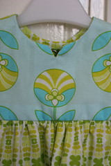 aqua retro geranium, collar (frostpatterns) Tags: madebyrae artgalleryfabrics geraniumdress jenibaker colormeretro
