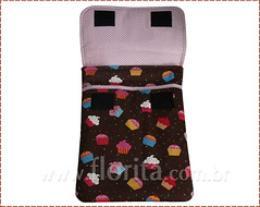 REF. 0078/2013 - Case Notebook Cupcakes Marrom (.: Florita :.) Tags: notebook kokeshi matrioska netbook ipad capanotebook bolsaflorita casenotebook bolsanotebook caseipad bolsacasenoteenetbook bolsanetbook casenotebookemtecido caseemtecido