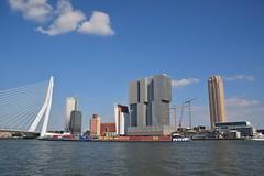 Nieuwe Maas, Erasmusbrug, Kop van Zuid Rotterdam. (eddespan (Edwin)) Tags: rotterdam kopvanzuid nieuwemaas erasmusbrug skyline