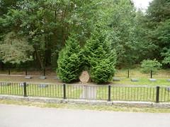 Soviet monument near Rheinberg (SebastianBerlin) Tags: 2016 rheinsberg ostprignitzruppin zechlinerhtterlandstrase friedhof denkmal germany monument sovietmonument cemetery