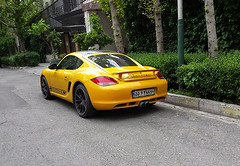 Yellow Cayman R (Kombizz) Tags: 102135 kombizz tehran iran 2016 1394 mobilephonetaking mobilephonecapture porschecaymanr porsche car vehicle wheels 55v288 porschecentretehran moinmotors wealthyowner licenceplate numberplate shahrakeghods shahrakegharb