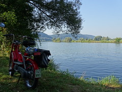 on tour (markus_rgb) Tags: tour reise moped mofa motorrad motorcycle flus river wasser water donau piaggio bravo