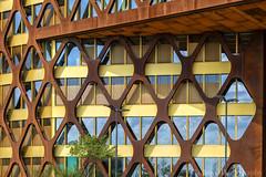 Geometra en acero cortem (Carhove) Tags: arquitectura architecture building edificio luxemburgo geometria