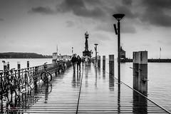 Tarde gris en Konstanz (Antonio Camelo) Tags: nikon bw port konstanz alemania germany puerto sky lago lake