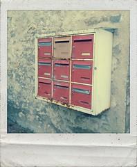 (totordenamur) Tags: mailbox polaroid bal boiteauxlettres