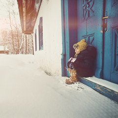 Endless winter (Weisimel) Tags: blue winter portrait snow laura cold building window nature vintage square nikon day doors sitting colours child frosty retro step d800 mydaughter lauka distagont3518