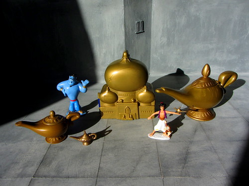 The gallery for --> Genie Lamp Aladdin Toy